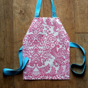how to make a toddler play apron