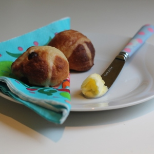 mini hot cross bun bites recipe