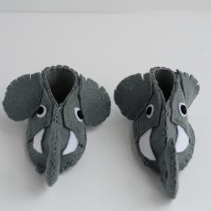 felt elephant baby booties diy
