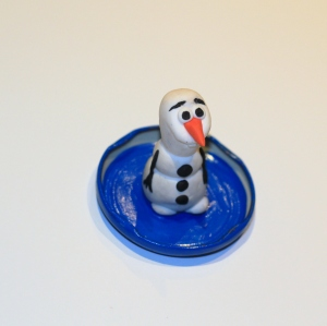 frozen olaf snow globe little button diaries 14