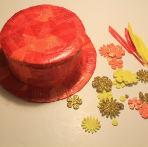 How to Make a Paper Plate Hat #KidsMaking #HalfTerm #LittleButtonDiaries