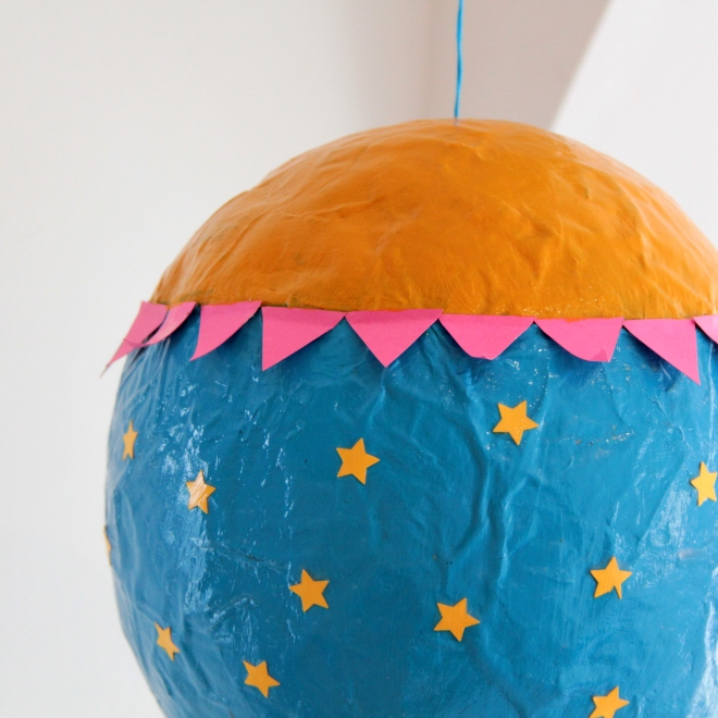 How to Make a Mache Hot Air Balloon #Mache #KidsCraft